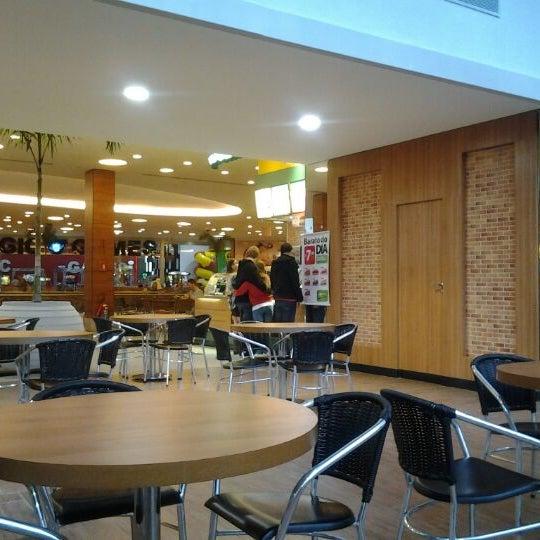 รูปภาพถ่ายที่ Shopping Park Europeu โดย Roberto S. เมื่อ 5/20/2012