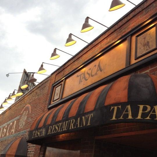 6/8/2012にMike L.がTasca Spanish Tapas Restaurant & Barで撮った写真