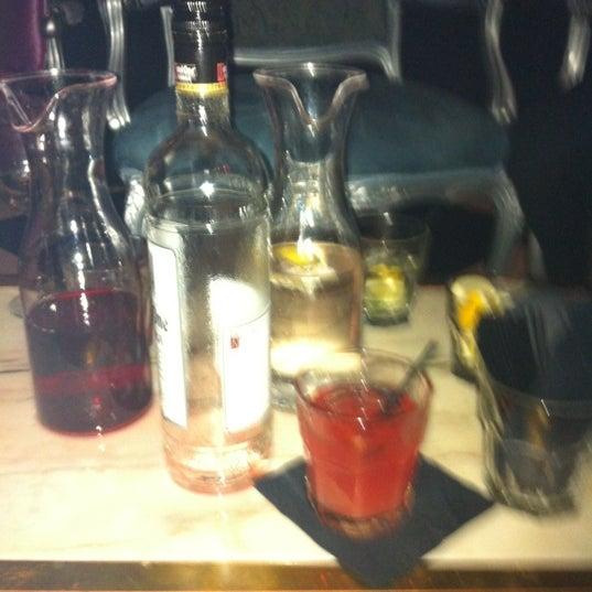 Foto tomada en The Lady Silvia Lounge por Sam M. el 3/17/2012
