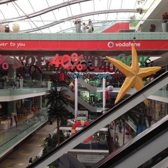รูปภาพถ่ายที่ Athens Metro Mall โดย acd 📌 เมื่อ 7/21/2012