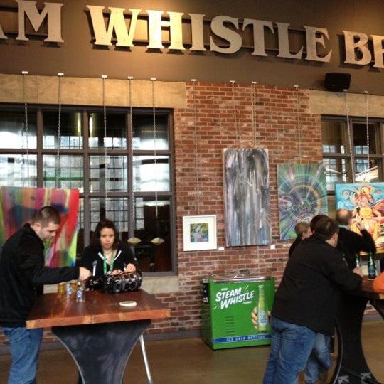 3/24/2012 tarihinde Tom O.ziyaretçi tarafından Steam Whistle Brewing'de çekilen fotoğraf