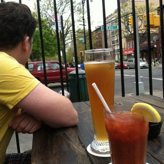 Foto scattata a The Gate da Trudy N. il 4/15/2012