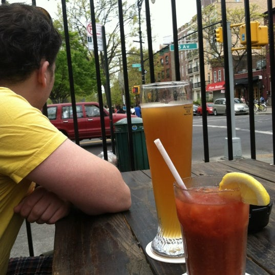 Foto diambil di The Gate oleh Trudy N. pada 4/15/2012
