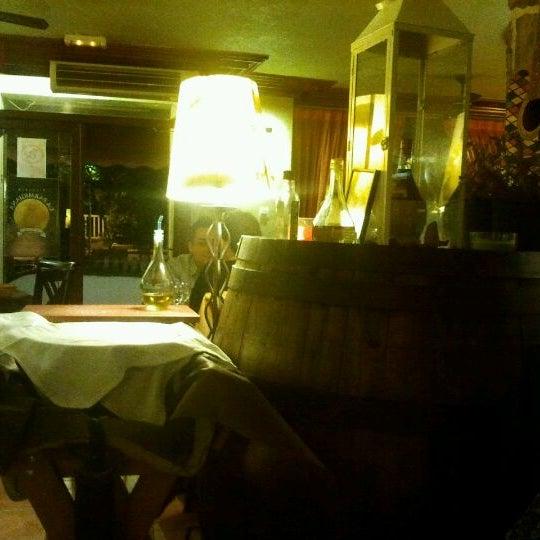 Foto diambil di La Parmigiana oleh Luis F. pada 4/9/2012