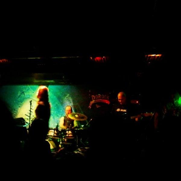 5/12/2012 tarihinde Han M.ziyaretçi tarafından Dorock Heavy Metal Club'de çekilen fotoğraf