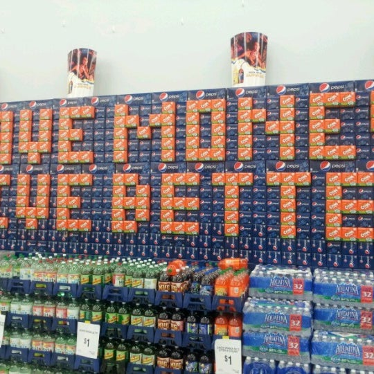 6/19/2012 tarihinde Eddiehollywoodziyaretçi tarafından Walmart'de çekilen fotoğraf