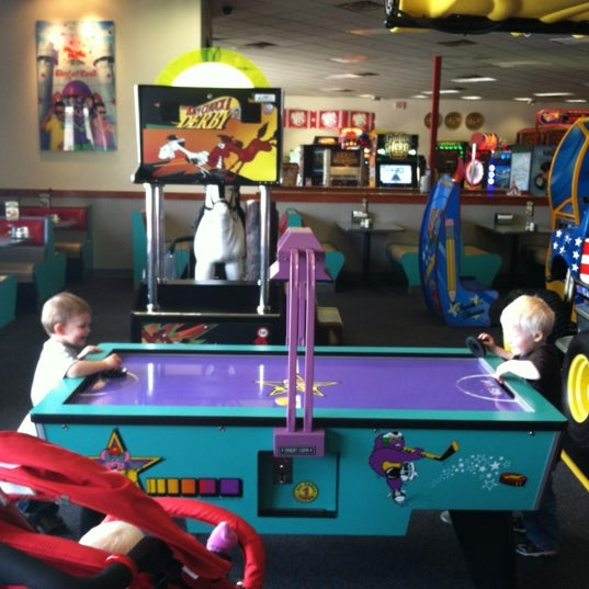Chuck E. Cheese's - 3 tips from 282 visitors
