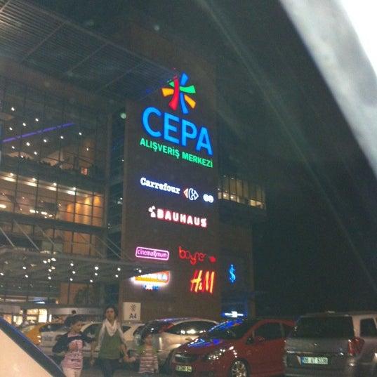 Das Foto wurde bei Cepa von Fevzi am 7/2/2012 aufgenommen