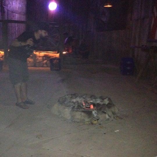 Foto scattata a Bull Bar da Nesrin il 7/5/2012