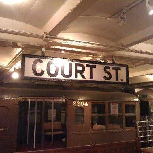 4/3/2012 tarihinde Salziyaretçi tarafından New York Transit Museum'de çekilen fotoğraf