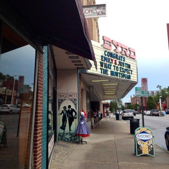 Photo prise au The Byrd Theatre par Becca N. le7/14/2012