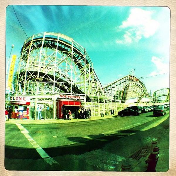 Foto tomada en The Cyclone por Michael M. el 4/21/2012