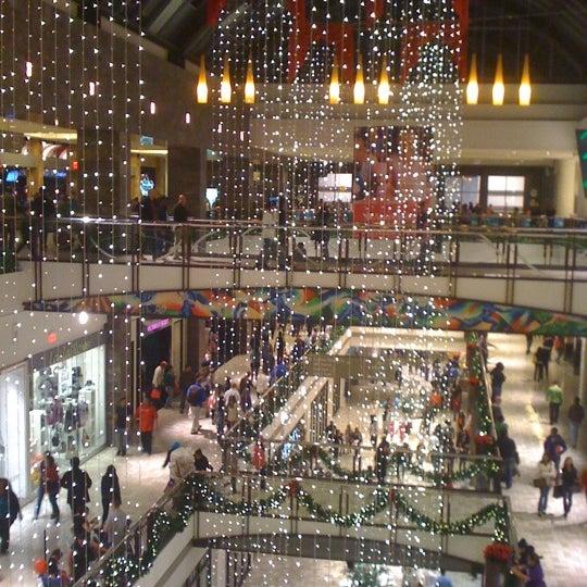 11/25/2011 tarihinde Anusha G.ziyaretçi tarafından Tysons Corner Center'de çekilen fotoğraf