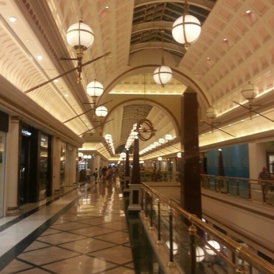 Foto tomada en Centro Comercial Gran Vía 2 por Sergey L. el 8/8/2012