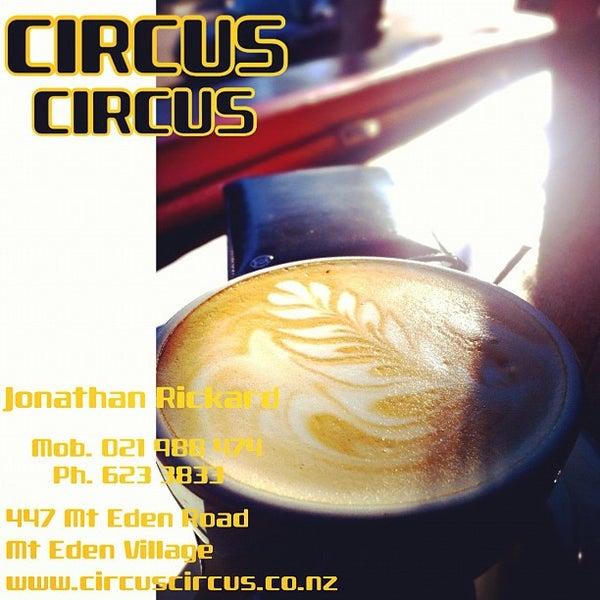 Foto tirada no(a) Circus Circus Cafe por Jae Myoung S. em 2/19/2012