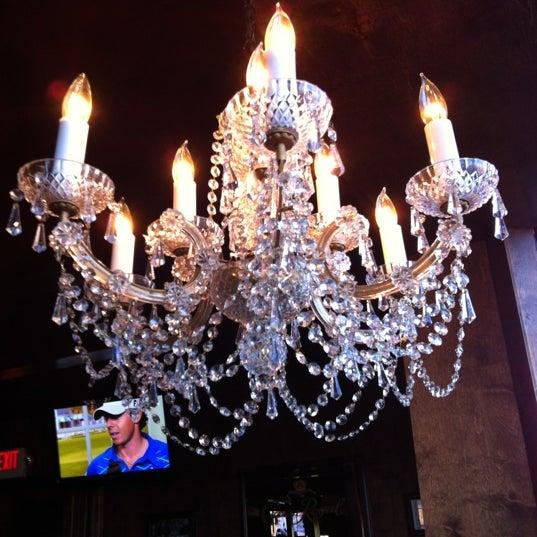 4/5/2012 tarihinde Brittany W.ziyaretçi tarafından Royal Oak Bar and Grill'de çekilen fotoğraf