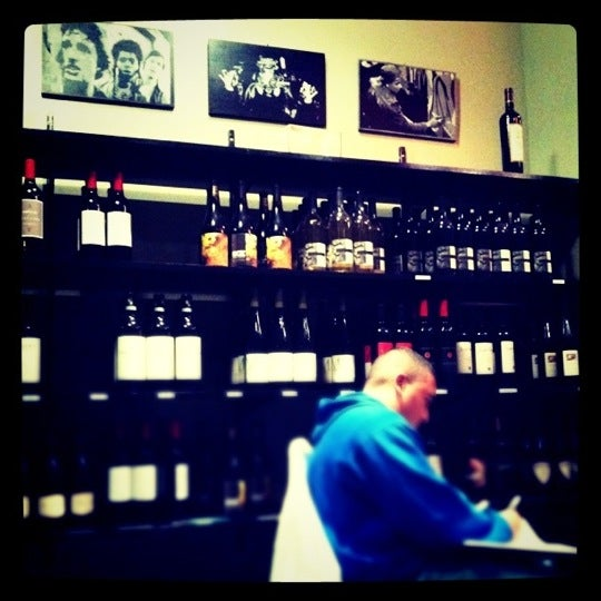 Foto scattata a Breukelen Cellars da carolyn z. il 9/17/2011