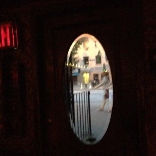 Das Foto wurde bei Nowhere Bar von Mister U. am 6/29/2012 aufgenommen
