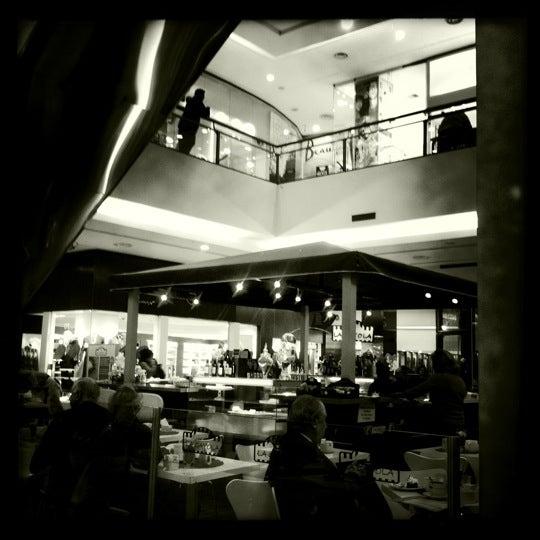Foto tirada no(a) Punta Carretas Shopping por Claude T. em 8/23/2011
