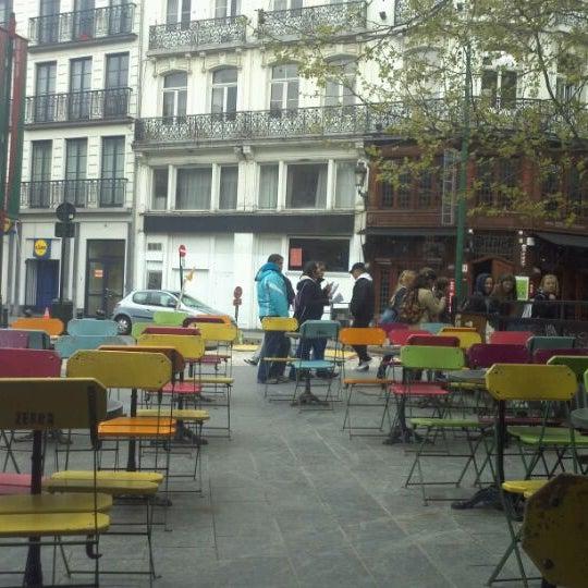 Foto scattata a Zebra Bar da Jelena D. il 4/19/2012