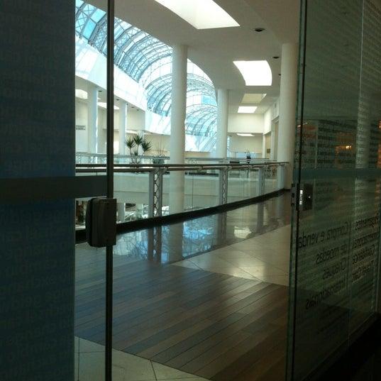 Foto tirada no(a) Shopping Crystal por Wanderson  P. em 8/11/2012