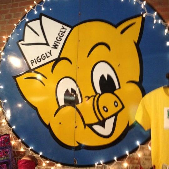 Foto tirada no(a) NOFO @ the Pig por Jeremy W. em 4/22/2012