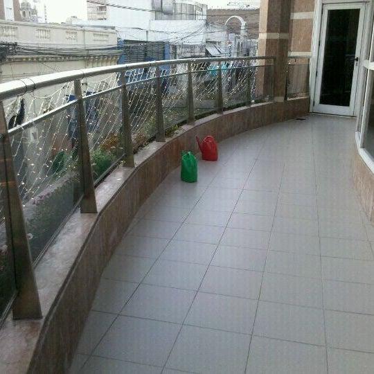 รูปภาพถ่ายที่ InterTower Hotel โดย Pepe E. เมื่อ 12/30/2011