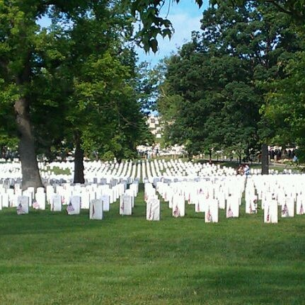Photo prise au Arlington National Cemetery par Tiffany le5/28/2012