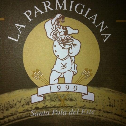 รูปภาพถ่ายที่ La Parmigiana โดย Marina M. เมื่อ 7/15/2011
