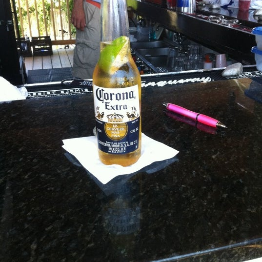 Foto scattata a Aqua Bar da Kevin H. il 7/17/2011