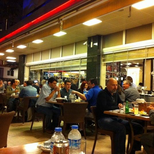 Foto diambil di Topçu Restaurant oleh Serdar pada 10/14/2011
