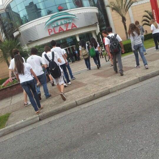 Das Foto wurde bei Grand Plaza Shopping von Jessica D. am 4/9/2012 aufgenommen