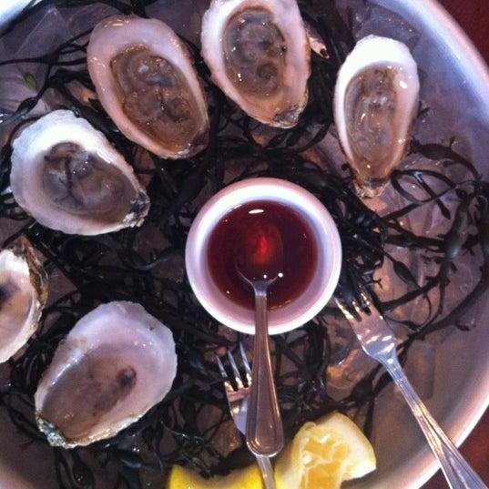 5/6/2012にMargaret L.がThe Tangled Vine Wine Bar & Kitchenで撮った写真