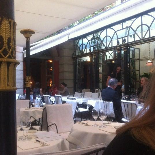 Foto diambil di Hôtel Costes oleh Natalia M. pada 6/8/2012