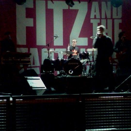 Foto diambil di Metro oleh Mike S. pada 11/20/2011