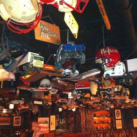 3/6/2012 tarihinde Tonia D.ziyaretçi tarafından 21 Club'de çekilen fotoğraf