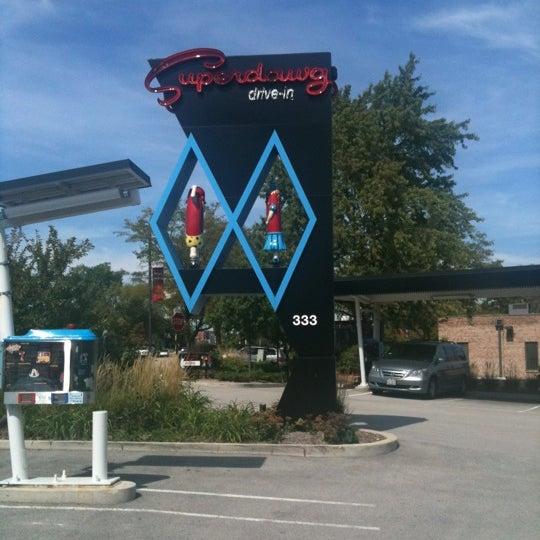Снимок сделан в Superdawg Drive-In пользователем Lisa 9/12/2012