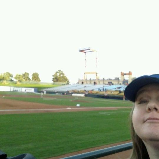 Photo prise au Cashman Field par Jennifer B. le4/6/2012