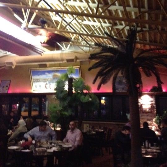 Das Foto wurde bei Al Bawadi Grill von Usman A. am 4/23/2012 aufgenommen