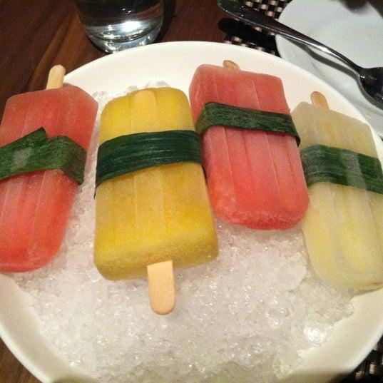Foto diambil di Silk Rd Tavern oleh Melissa K. pada 7/30/2012