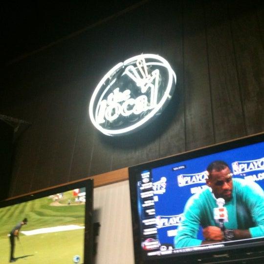 5/18/2012 tarihinde Jennifer D.ziyaretçi tarafından The Local Eatery and Drinking Hole'de çekilen fotoğraf