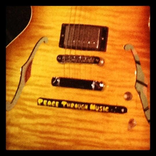 รูปภาพถ่ายที่ The Stage โดย Erin S. เมื่อ 4/14/2012