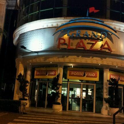 Das Foto wurde bei Grand Plaza Shopping von Ale O. am 10/23/2011 aufgenommen