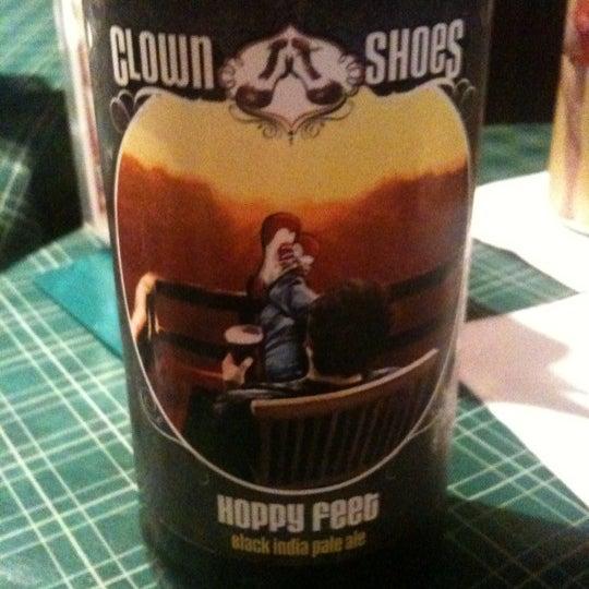 Foto diambil di Pippin's Tavern oleh David F. pada 4/28/2011