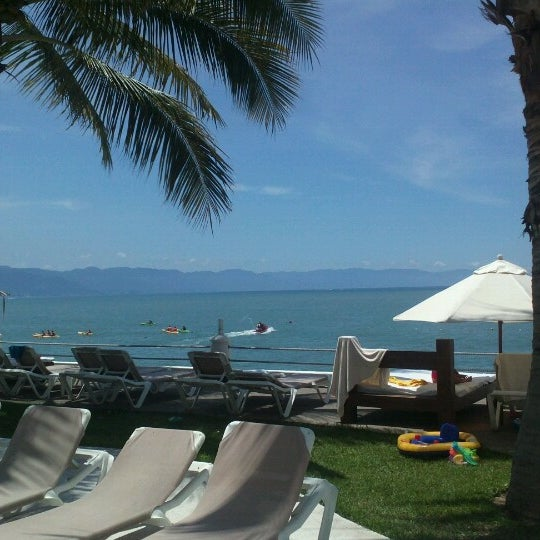 Photo prise au Plaza Pelicanos Grand Beach Resort par Antonio E. le9/5/2012
