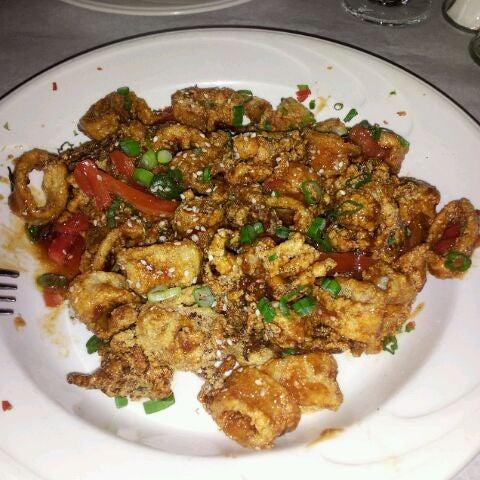 Foto scattata a Bourbon Street Restaurant and Catering da Ahailia F. il 3/18/2012