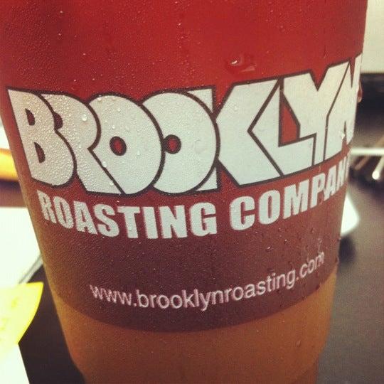 Das Foto wurde bei Brooklyn Roasting Company von Dennis Y. am 8/28/2012 aufgenommen