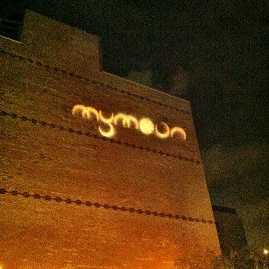 Снимок сделан в MyMoon Restaurant пользователем Shawn K. 7/28/2012