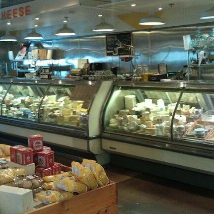 1/27/2012에 William A.님이 Tony Caputo's Market & Deli에서 찍은 사진