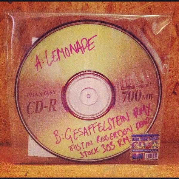 Снимок сделан в Biit Me Record Store / Oü Biitmii пользователем Madis N. 2/28/2012